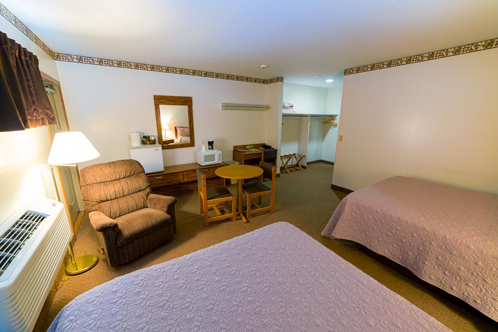 Facilities beechnut room with two queen beds